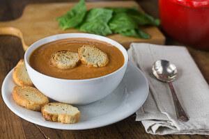 via http://ethnicspoon.com/creamy-tomato-basil-bisque/
